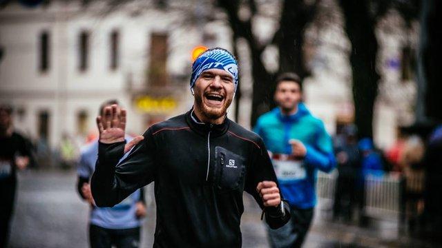 У Львові 29-річний бігун розпочав забіг на 200 км за добу