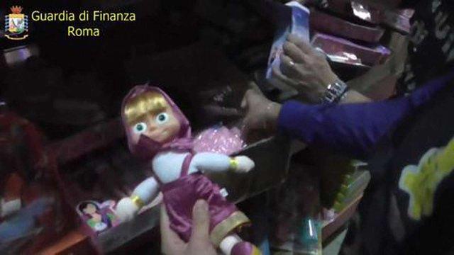 У Римі конфіскували сім мільйонів іграшок та різдвяних прикрас