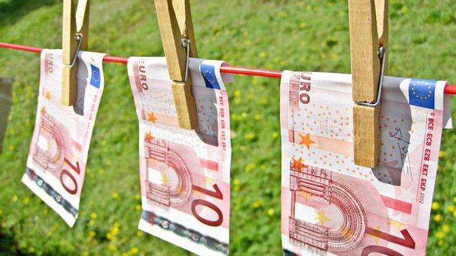 За даними ООН щорічний обсяг хабарів у світі оцінюється в $1 трлн