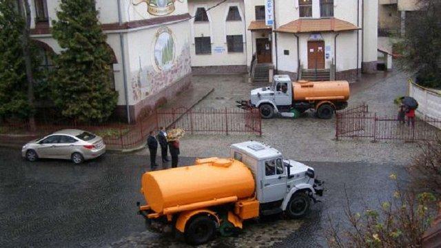 У Личаківському районі Львова працюють водовозки