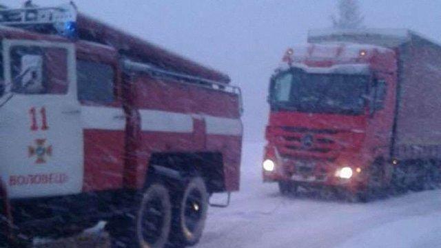 На ділянці траси «Київ-Чоп» у Закарпатській області відновили рух вантажівок