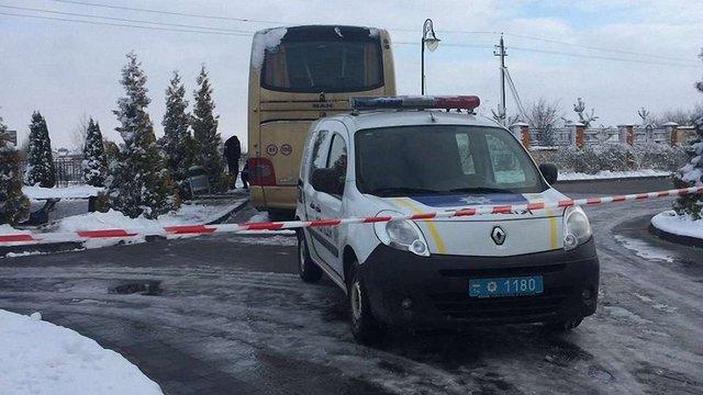Уночі у передмісті Львова невідомі кинули вибухівку у польський автобус