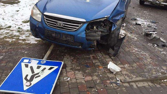 У центрі Червонограда зіткнулися два авто