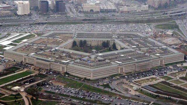 Пентагон дозволив трансгендерам служити в армії попри заборону Трампа