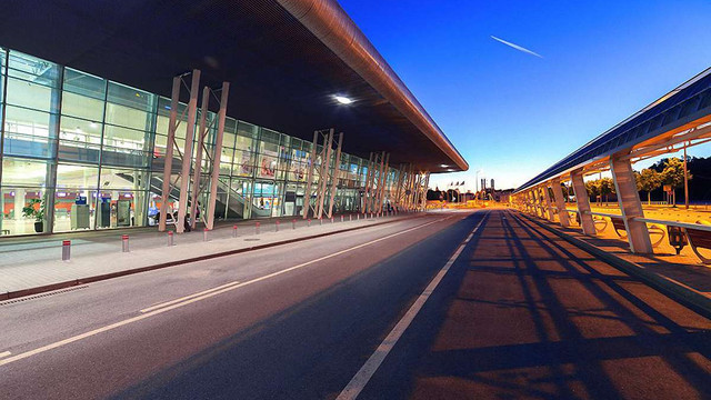Влітку зі Львова відкриють авіарейс до Барселони