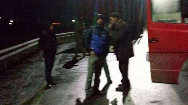 Внаслідок конфлікту у маршрутці біля Львова нетверезий чоловік ножем поранив пасажира
