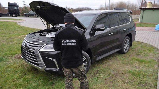 Українець намагався вивезти з Польщі викрадений в Росії Lexus вартістю ₴3,75 млн