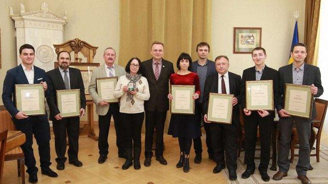 Десять найкращих науковців отримали по ₴25 тис. від Львівської міськради