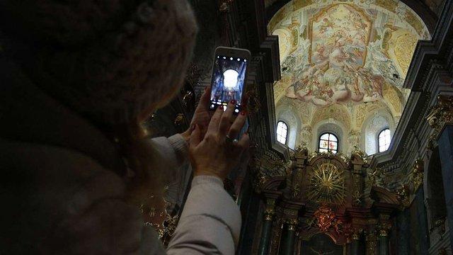 У Гарнізонному храмі Львові відкрили відреставровані фрески XVIII століття