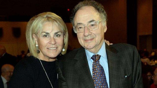 Канадського мільярдера і його дружину знайшли мертвими в підвалі їхнього будинку