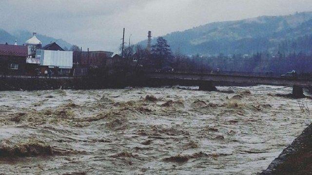 Синоптики попередили про підвищення рівня води в річках та лавинну небезпеку