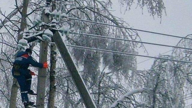 На Львівщині через снігопад знеструмлені 55 населених пункти