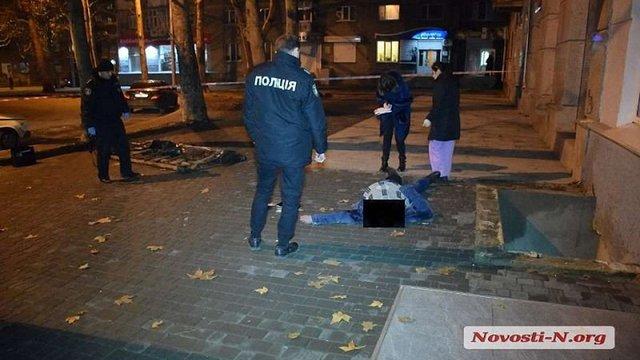 У Миколаєві загинув військовий, який провалився у 3-метрову яму