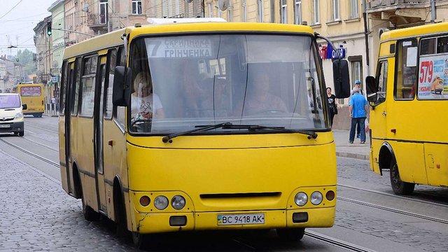 Львівська мерія передала 20 маршрутів приватних перевізників комунальному АТП-1