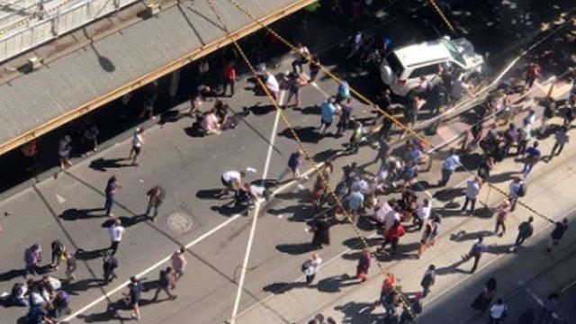 У Мельбурні автомобіль в'їхав в натовп пішоходів, 19 людей постраждали