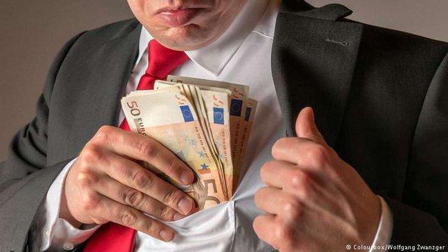 Більшість українців вважає боротьбу з корупцією в Україні провальною, - опитування