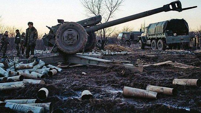 Розвідка виявила поблизу лінії зіткнення на Донбасі приховані арсенали військових РФ