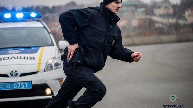 Житель Харківщини вистрілив собі в голову, коли поліція намагалася його затримати