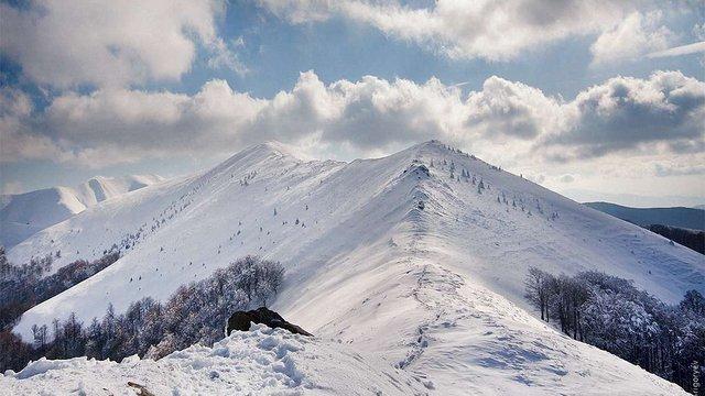 У горах біля Яремче другий день поспіль не можуть знайти заблукалого туриста