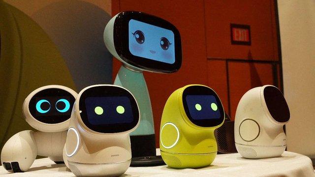 У Китаї мають намір запустити масове виробництво домашніх роботів