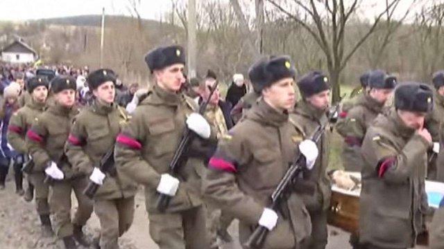 На Львівщині поховали 43-річного бійця АТО Петра Михайлюка