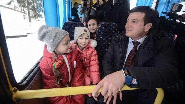 Міністр Зубко закликав місцеву владу будувати дитсадки і звільняти жінок від сидіння у декреті