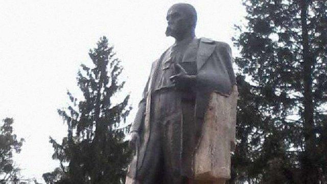 У Стрию крадії металу пошкодили бронзовий пам'ятник Тарасові Шевченку