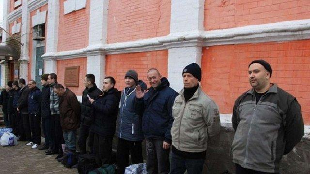 З'явилося відео відправки українських полонених у Луганську на обмін