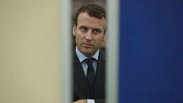 Макрон заявив про продовження роботи зі звільнення всіх полонених в Україні