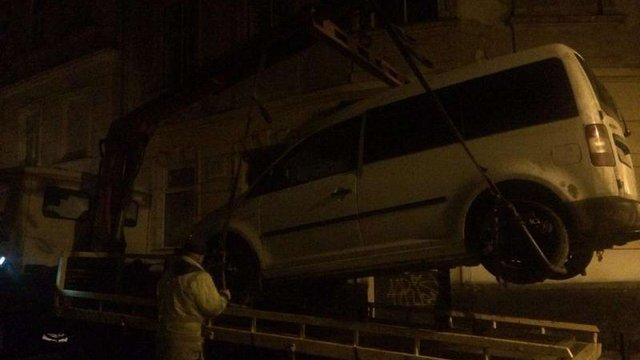 У Львові за добу на арештмайданчик забрали п'ять автомобілів