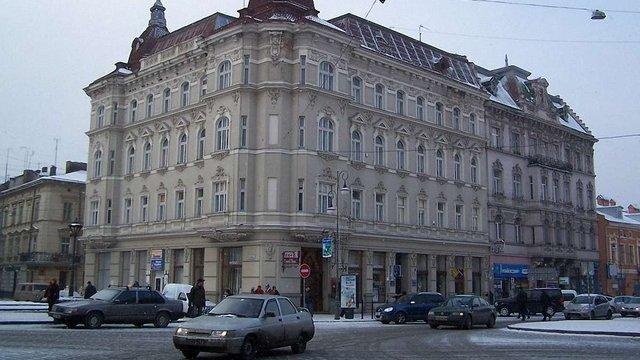 Дубневичі перетворять два житлові будинки в центрі Львова на готель