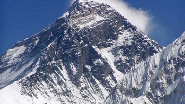 Влада Непалу заборонила поодинці підкорювати Еверест