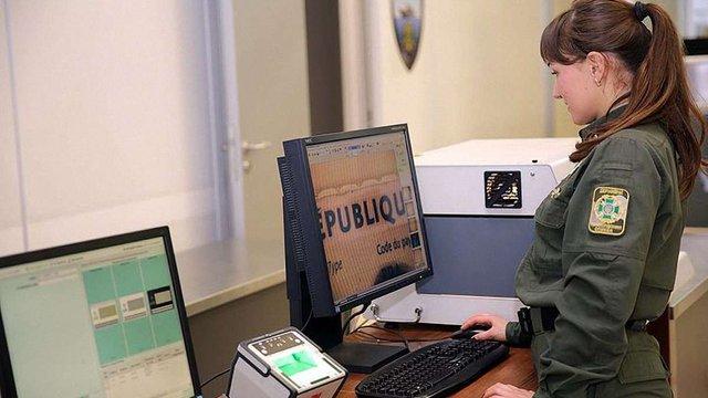 В Україні запровадили біометричний контроль для іноземних громадян