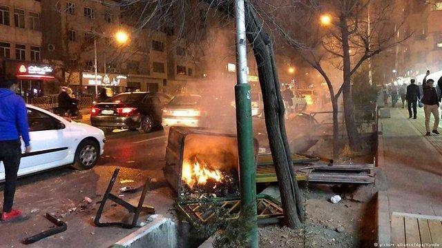 В Ірані затримали 200 антиурядових протестувальників