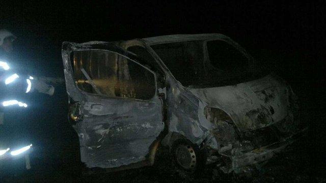 Коло Свіржа знайшли спалений мікроавтобус з тілом його власника