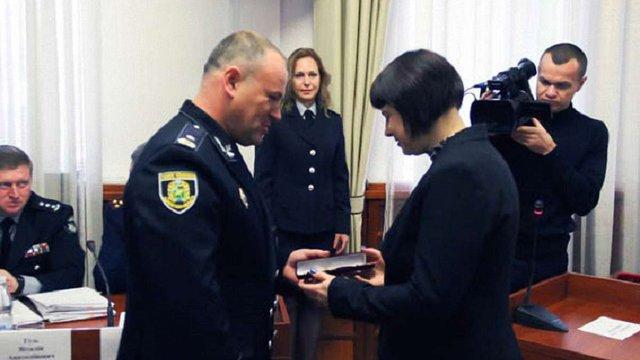 Працівниць «Укрпошти» нагородили за допомогу у звільненні заручників у Харкові