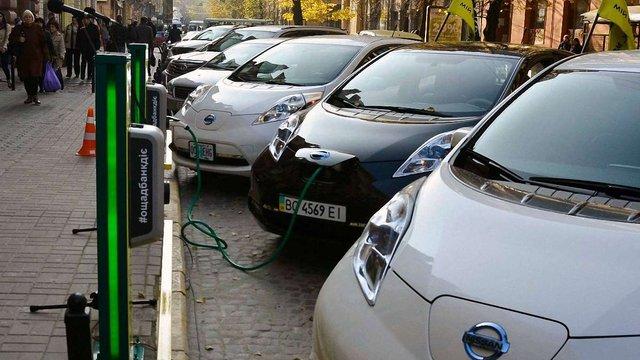 За сім років частка електромобілів у Львові зросте до 20%
