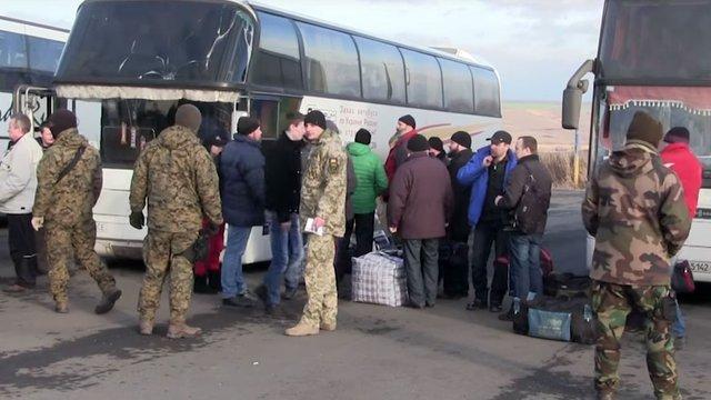 Звільнені з полону військовослужбовці пройдуть реабілітацію у військовому госпіталі в Києві