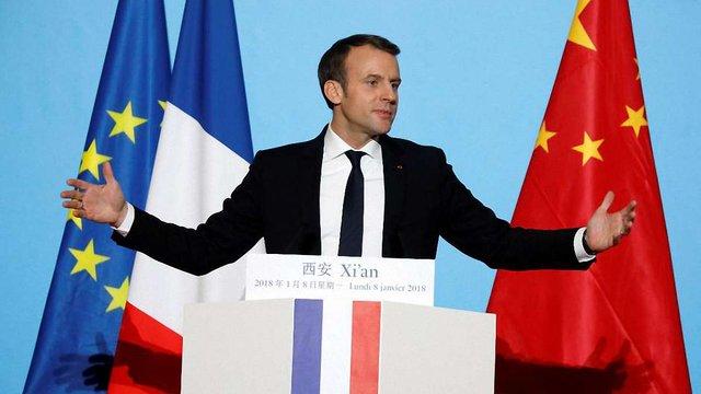 Президент Франції подарував лідеру Китаю Сі Цзіньпіну коня елітної породи