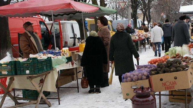 Рівень бідності в Україні знизився за рік на 5%