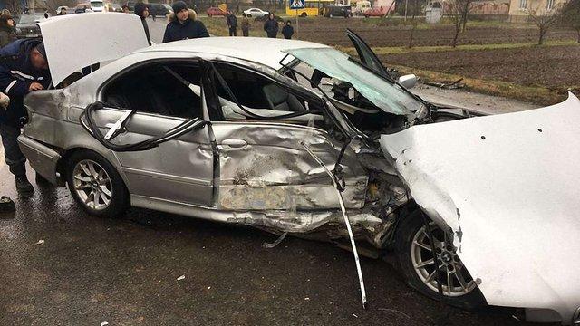 У ДТП на Самбірщині постраждали четверо дорослих та троє дітей