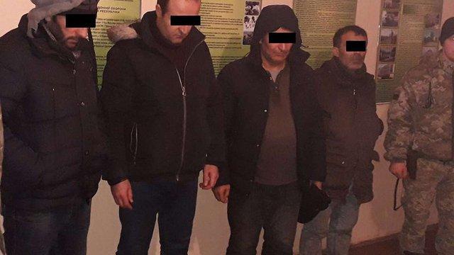 У горах на Львівщині затримали турецьких нелегалів