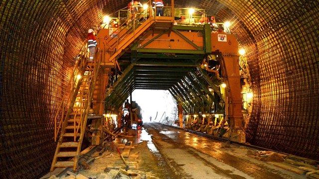 Названо дату відкриття нового Бескидського тунелю