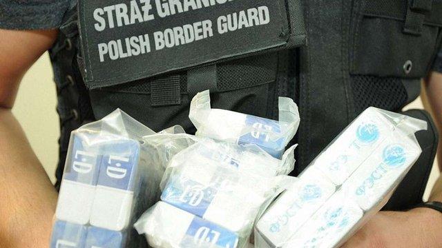 У Польщі затримали контрабандистів, які переправляли українські цигарки в Італію