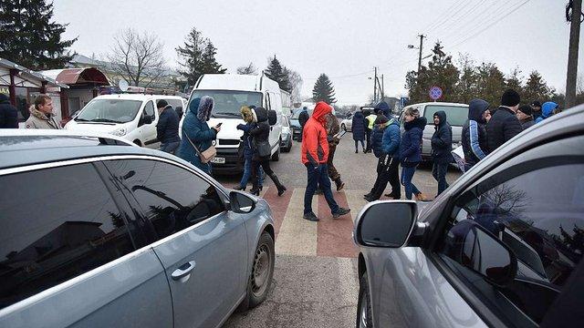 Мітингувальники розблокували дороги до трьох пунктів пропуску на Львівщині