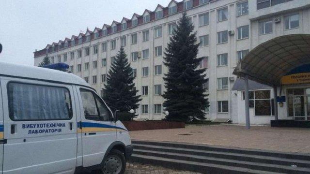У Чернівцях невідомий кинув гранату в будівлі облуправління ДФС
