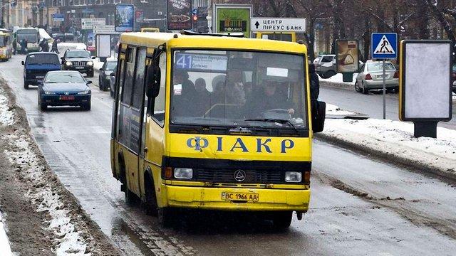 Львівська мерія повернула 30 міських маршрутів приватним перевізникам