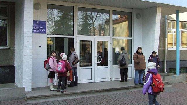 Школярам Івано-Франківська продовжили канікули через спалах кору