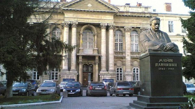 Реконструкцію пологового відділення Львівської обласної лікарні завершать не раніше квітня