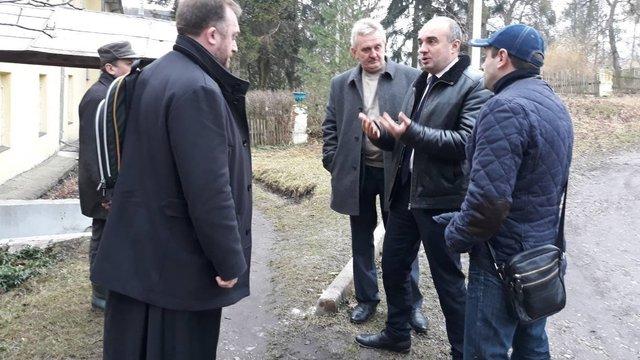 На Золочівщині монастирю повернуть приміщення, де містився  протитуберкульозний диспансер
